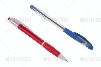 Two pens in diagonal