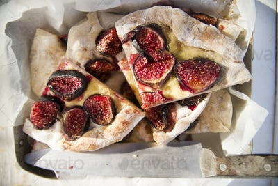 Focaccia with figs