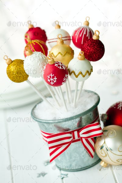 Christmas bauble cake pops