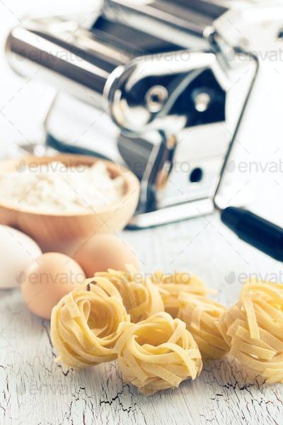 tagliatelle,eggs and pasta machine