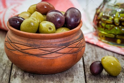 mix of organic olives in a bowl