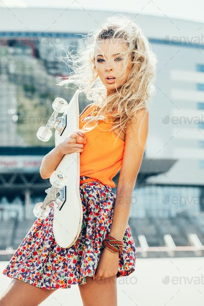 woman with skateboard