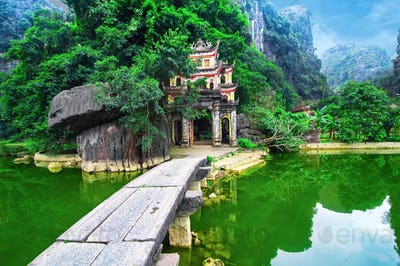 Bich Dong pagoda gate. Ninh Binh, Vietnam