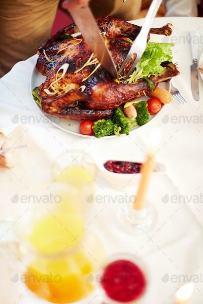 Cutting Thanksgiving turkey