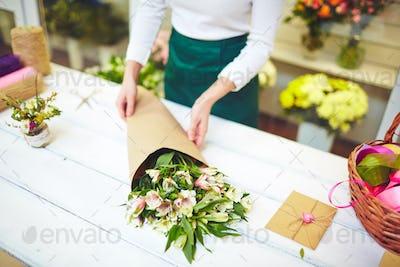 Bouquet in paper