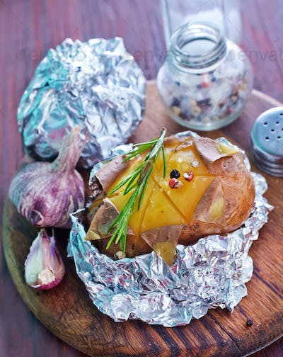 baked potatio in foil