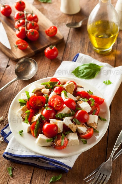 Homemade Healthy Caprese Salad
