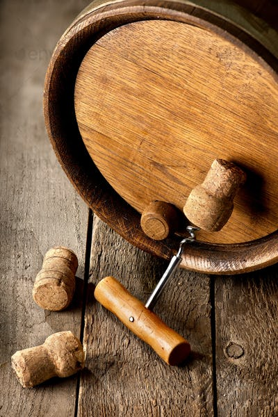 Corkscrew and wooden cask