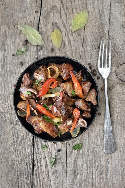 Roasted chicken liver with pepper