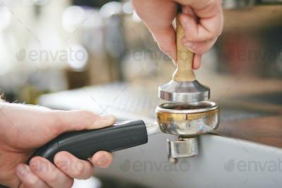Making coffee powder