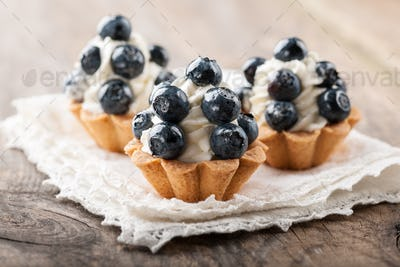 Cupcakes with blueberries