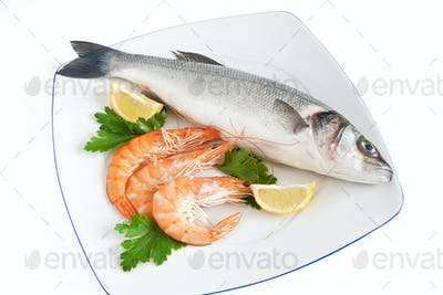 sea bass with parsley and prawns