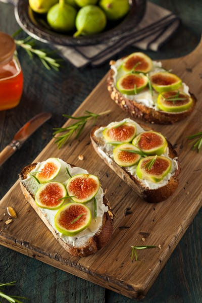 Homemade Fig and Goat Cheese Toast
