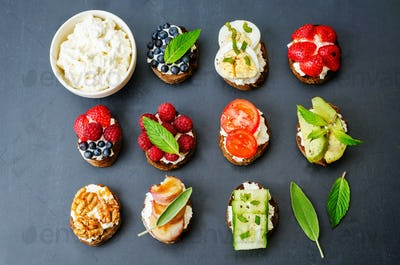 ricotta and crostini appetizers with fillings
