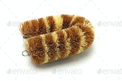 Coconut husk cleaning brush