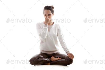 Yoga practice nadi shodhana pranayama