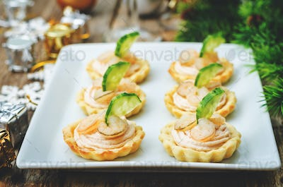 tartlets with salmon mousse, shrimp and cucumber