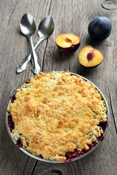 Plums crumble pie