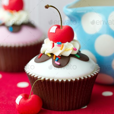 Ice cream sundae cupcake