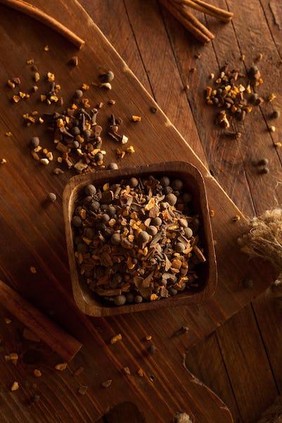 Raw Organic Mulling Spices