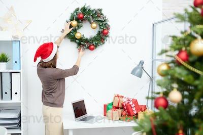 Decorating office