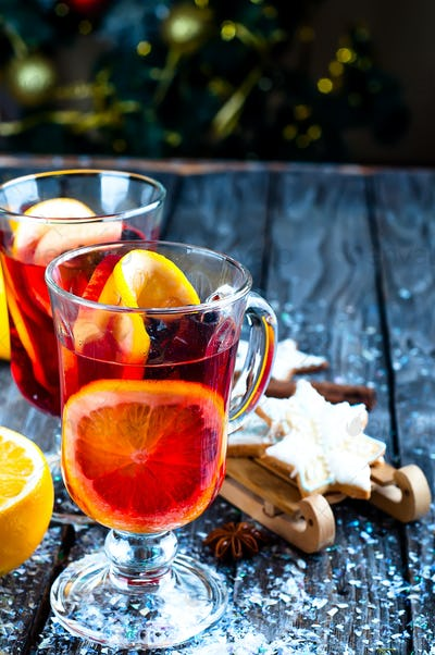 spices and mulled wine