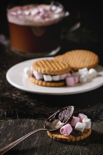 Cookies with marshmallows