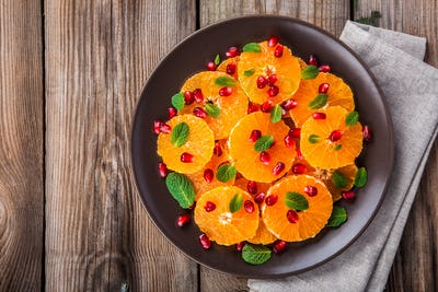 Citrus salad: tangerine, pomegranate and mint