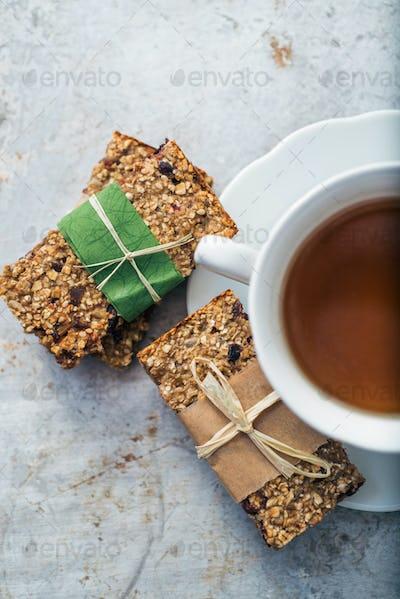 Tea and granola bars