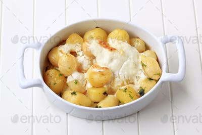 Potatoes and cream