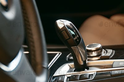 Gearshift in a modern car