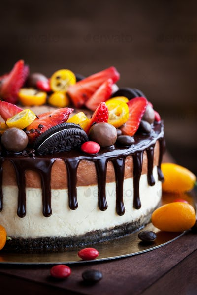 Chocolate cheesecake decorated with fresh berries