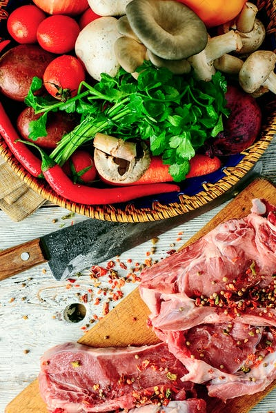 Raw cut meat