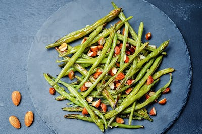 roasted snap green beans with almond