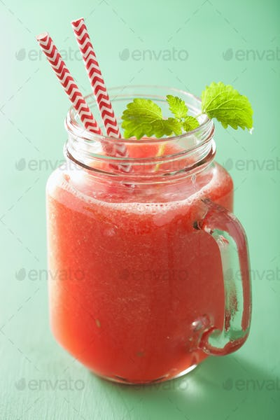 watermelon lime smoothie in mason jars