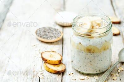 overnight oats with Greek yogurt, Chia seeds and banana