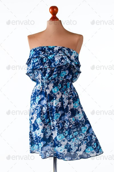 Casual blue strapless dress.
