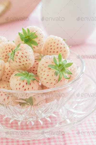 Pineberries or Hulaberries