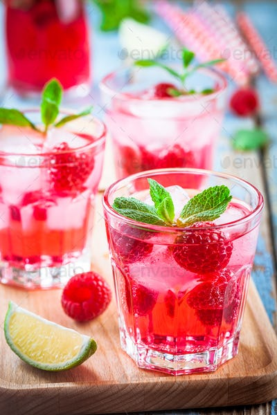 Raspberry mojito in a glass