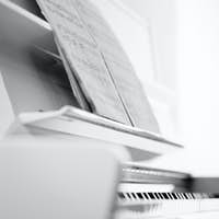 Piano (shallow DOF; color toned image)