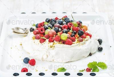 Homemade Pavlova cake