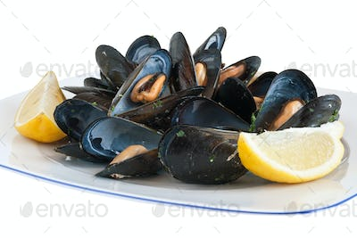 plate with mussels