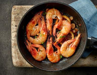 fried prawns on cooking pan