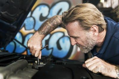Maintenance Mechanical Tuning Automobile Concept