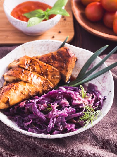 Stewed red cabbage and chicken breast