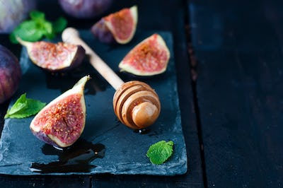 honey stick and figs