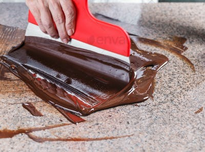 Tempering of the chocolate