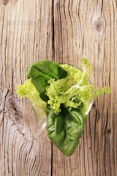 Fresh leaf vegetables