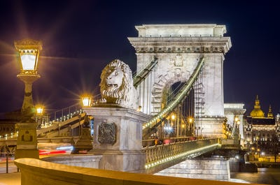 Night view of the Szechenyi Chain Bridge. Budapest, Hungary.
