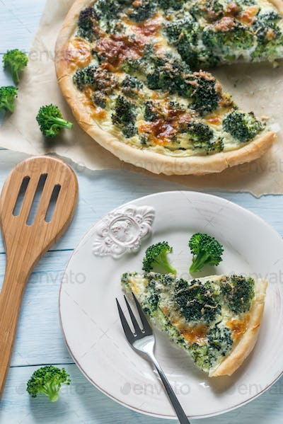 Pie with broccoli and cheese